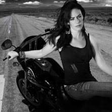 Maggie Siff in una foto promozionale della stagione 3 di Sons of Anarchy