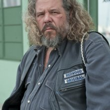 Mark Boone Junior nella premiere della stagione 3 di Sons of Anarchy