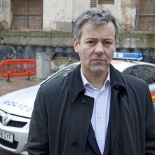 Rupert Graves nell'episodio The Great Game di Sherlock
