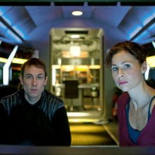 Tobias Menzies e Minnie Driver nella miniserie The Deep