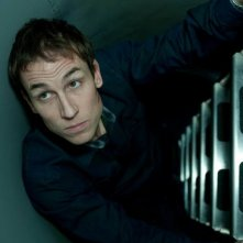 Tobias Menzies nella miniserie The Deep