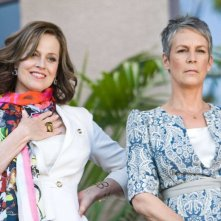Sigourney Weaver e Jamie Lee Curtis in You Again
