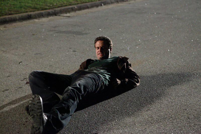 Logan Fell Chris J Johnson Sdraiato A Terra Nell Episodio Punto Di Svolta Di The Vampire Diaries 171487