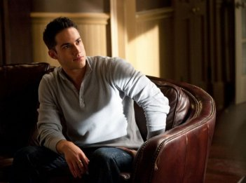 Tyler (Michael Trevino) in una scena del primo episodio della stagione 2 di Vampire Diaries