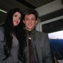 Fausto Paravidino e Fulvia Lorenzetti sono Riccardo Schicchi e la sua segretaria sul set della fiction Moana