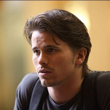 Jason Ritter in una scena del pilot di The Event