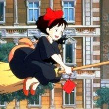 Kiki in una sequenza del film d\'animazione Kiki consegne a domicilio di Miyazaki
