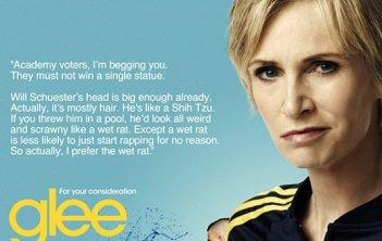 Sue Sylvester (Jane Lynch) supplica i votanti degli Emmy Awards di non far vincere Glee
