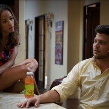 Dania Ramirez e Jerry Ferrara nell'episodio Tequila and Coke di Entourage