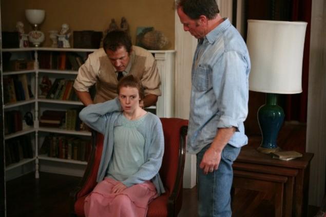 Ashley Bell E Patrick Fabian In Una Scena Di The Last Exorcism 171993