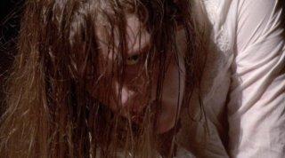 Un'irriconoscibile Ashley Bell dall'horror The Last Exorcism