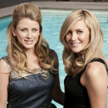 Wallpaper: Lauren (Lo) Bosworth e Stephanie Pratt per la stagione 6 di The Hills