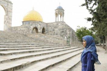 Freida Pinto in un'immagine del film Miral