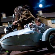 Robbie Coltrane e Daniel Radcliffe in una scena del film Harry Potter e i doni della morte - parte 1