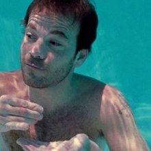 Un'immagine acquatica di Stephen Dorff dal film Somewhere