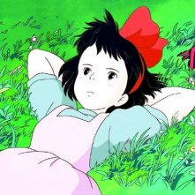 La piccola kiki in una sequenza del film d\'animazione Kiki consegne a domicilio