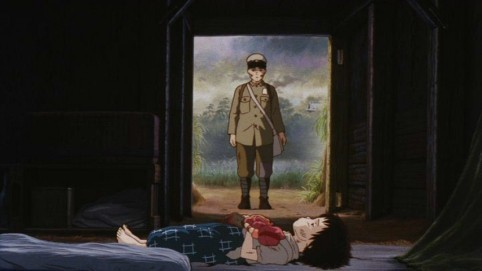 Seita e Setsuko in una triste scena del film d'animazione La tomba per le lucciole