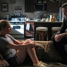 Anna Paquin ed Alexander Skarsgård nell'episodio I Smell A Rat di True Blood