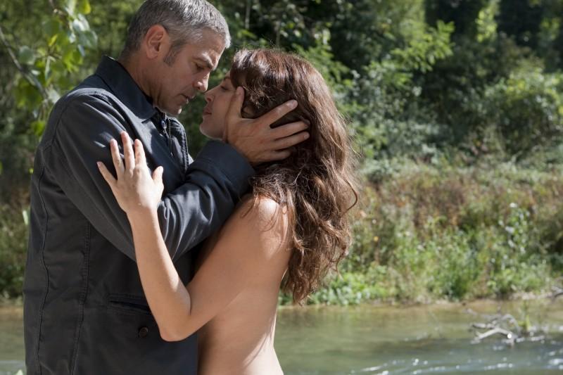 George Clooney E Violante Placido Nel Film The American 172361