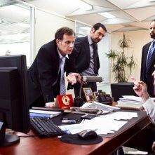 Gilles Lellouche, Charles Berling e Michael Madsen in una scena del film Krach