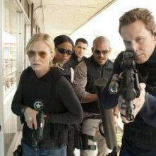 Kelli Giddish, Rose Rollins, Jesse Metcalfe, Amaury Nolasco e Cole Hauser nel pilot di Chase