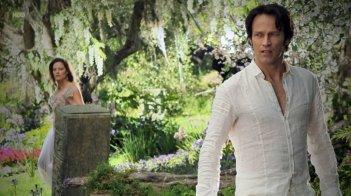 Stephen Moyer in una sequenza onirica dell'episodio Everything Is Broken di True Blood