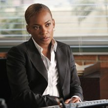 Aunjanue Ellis nell'episodio Red Sky In The Morning della serie The Mentalist