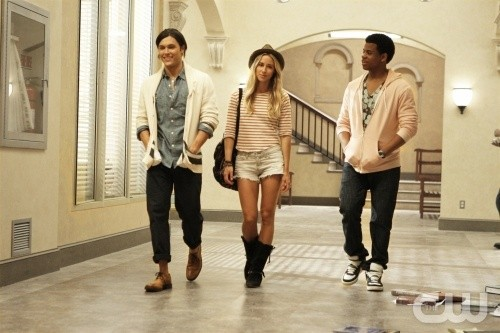 Blair Redford Gillian Zinser E Tristan Wilds Nell Episodio Senior Year Baby Di 90210 172664