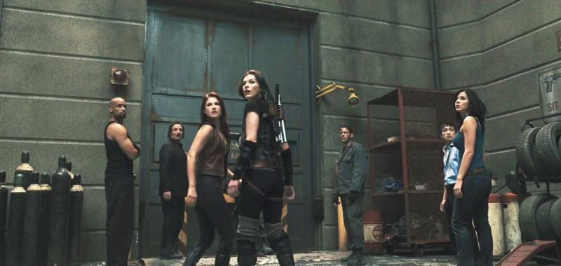 Boris Kodjoe Ali Larter Wentworth Miller E Milla Jovovich In Una Scena Del Film Resident Evil Afterl 172448