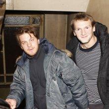 Il regista Marvin Kren con lo sceneggiatore Ben Hessler sul set del film Rammbock