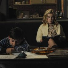 Jared S. Gilmore e Kiernan Shipka in una scena dell'episodio The Chrysanthemum and the Sword di Mad Men