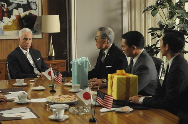 John Slattery In Una Scena Dell Episodio The Chrysanthemum And The Sword Di Mad Men 172688