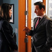 Josh Charles e Julianna Margulies nell'episodio Taking Control di The Good Wife
