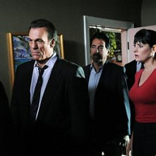 Robert Davi, Joe Mantegna e Paget Brewster nell'episodio The Longest Night, premiere della stagione 6 di Criminal Minds