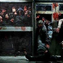 Un'immagine delle orde di zombie dell'horror The Horde