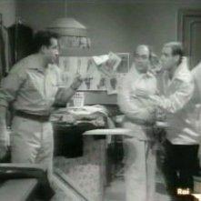 Nello Appodia insieme a Ugo Tognazzi e Enzo Garinei nel film TU CHE NE DICI (1959 Silvio Amadio)