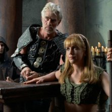 Tim Thomerson e Renee O\'Connor in Xena e l\'ingiusta condanna