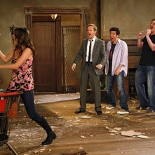 Un momento dell'episodio Home Wreckers di How I Met Your Mother