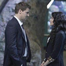 La guest star Rena Sofer e David Boreanaz in una scena dell'episodio The Predator in the Pool di Bones