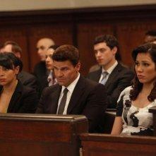 Tamara Taylor, David Boreanaz e Michaela Conlin nell'episodio The Boy with the Answer di Bones