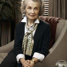 Mary Beth Peil in una foto promozionale della stagione 2 di The Good Wife