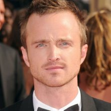 Aaron Paul di Breaking Bad sul red carpet dell'edizione 2010 degli Emmy Awards