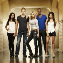 Heather Hemmens, Matt Barr, Alyson Michalka, Robbie Jones ed Ashley Tisdale in una foto promozionale di Hellcats