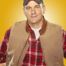 Mike O'Malley posa per una foto promozionale della stagione 2 di Glee