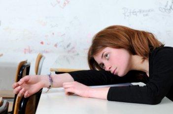 Irene De Angelis in una scena del film L'amore buio