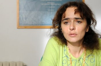 Luisa Ranieri in una scena del film L'amore buio