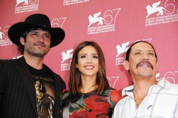Venezia 2010: Jessica Alba presenta Machete di Robert Rodriguez accanto al regista e a Danny Trejo