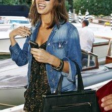 Venezia 2010: una sorridente Jessica Alba approda al Lido per presentare Machete