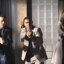 Seamus Dever, Jon Huertas e Stana Katic nell'episodio A Deadly Affair di Castle