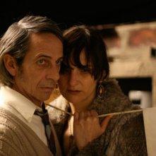 Alfredo Castro e Antonia Zegers in una scena del film Post Mortem